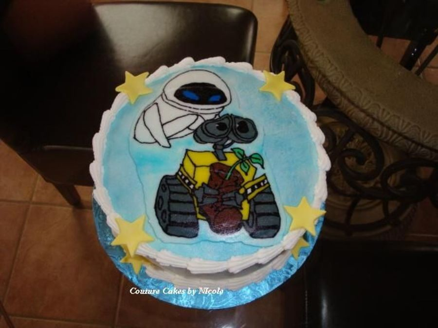 Wall E on Cake Central
