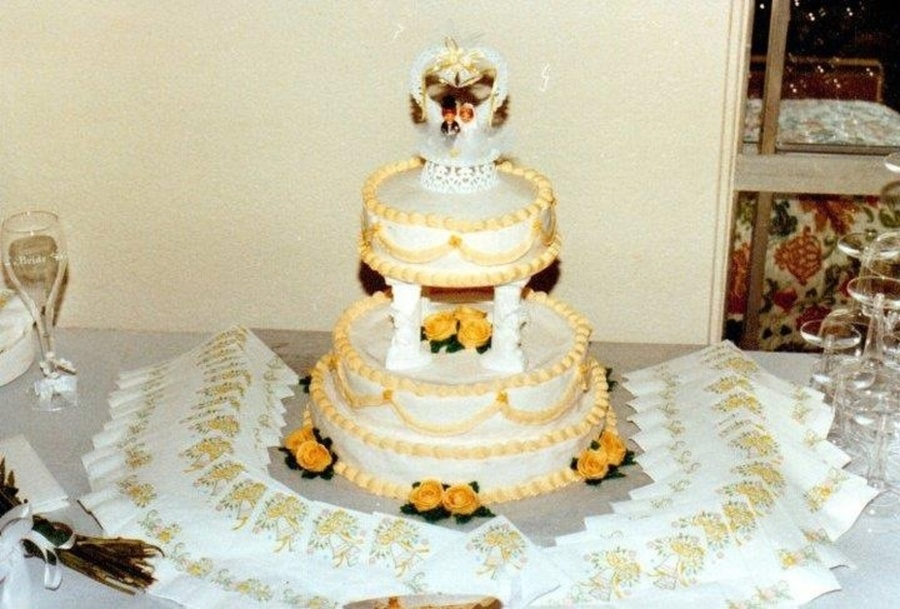 My Very First Wedding Cake No I Didnt Have A Clue What I Was Doing Totally Trial And Error No Doweling Inside Tasted Good Though on Cake Central