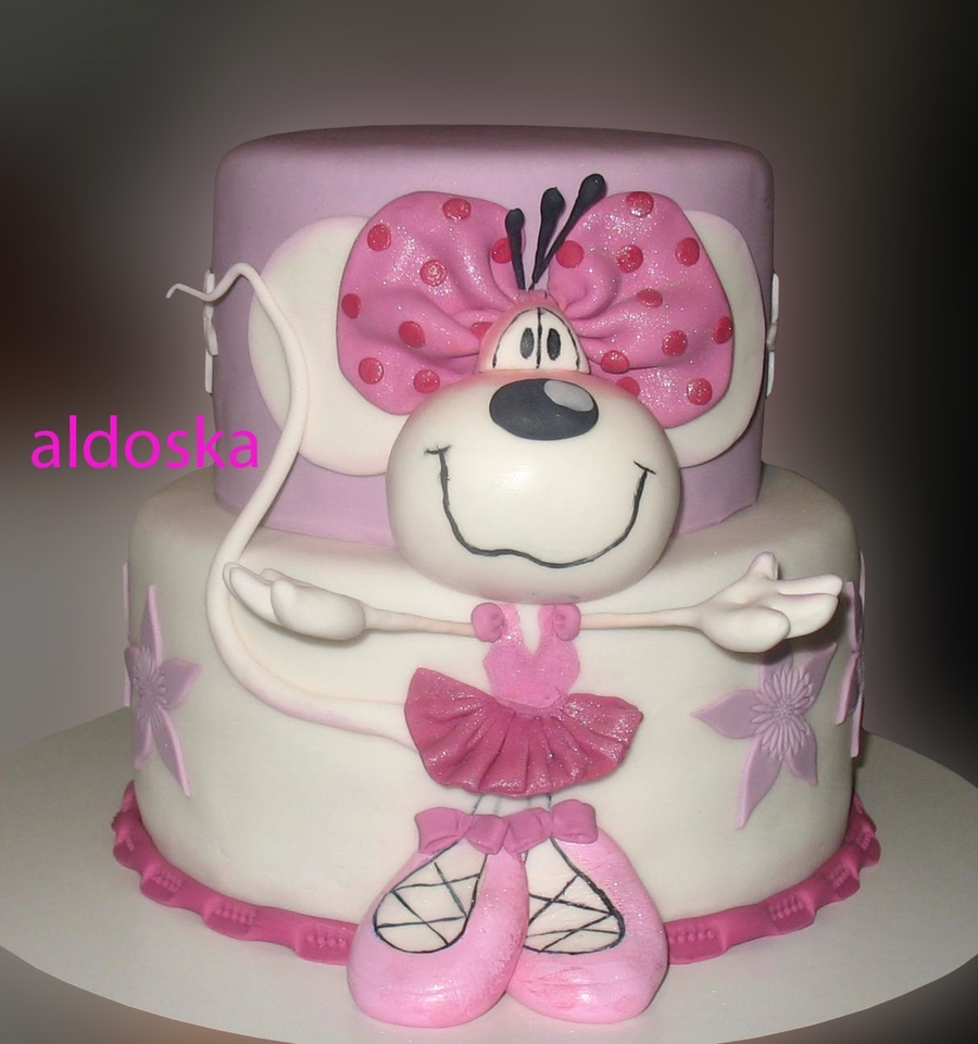 Diddlina Mouse on Cake Central