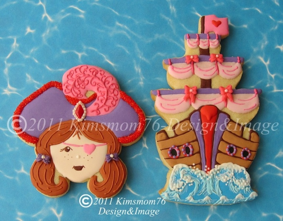 Girlie Girl Pirate  on Cake Central