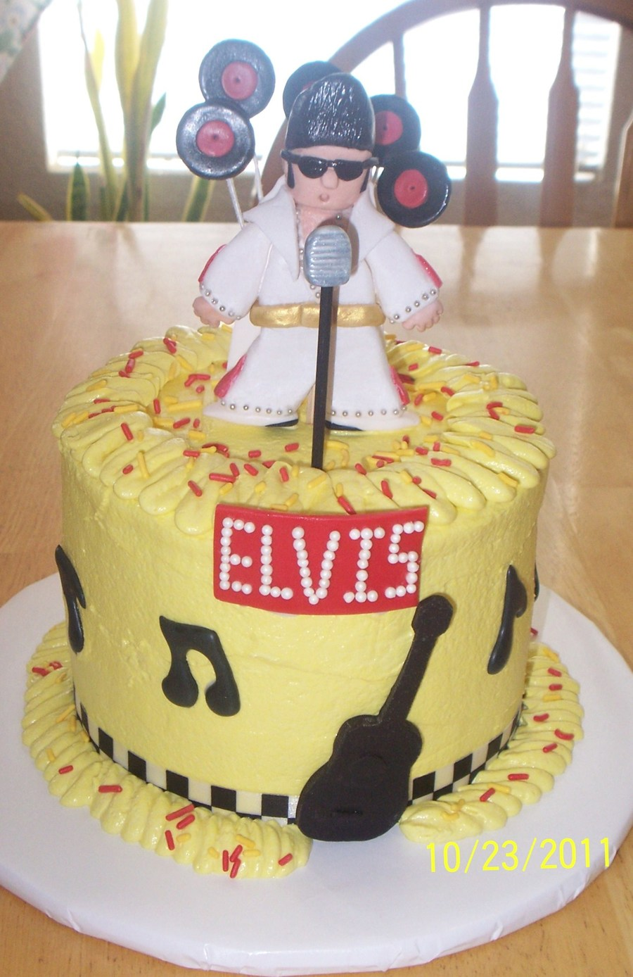 Elvis Sings Kentucky Rain In The Ghetto on Cake Central