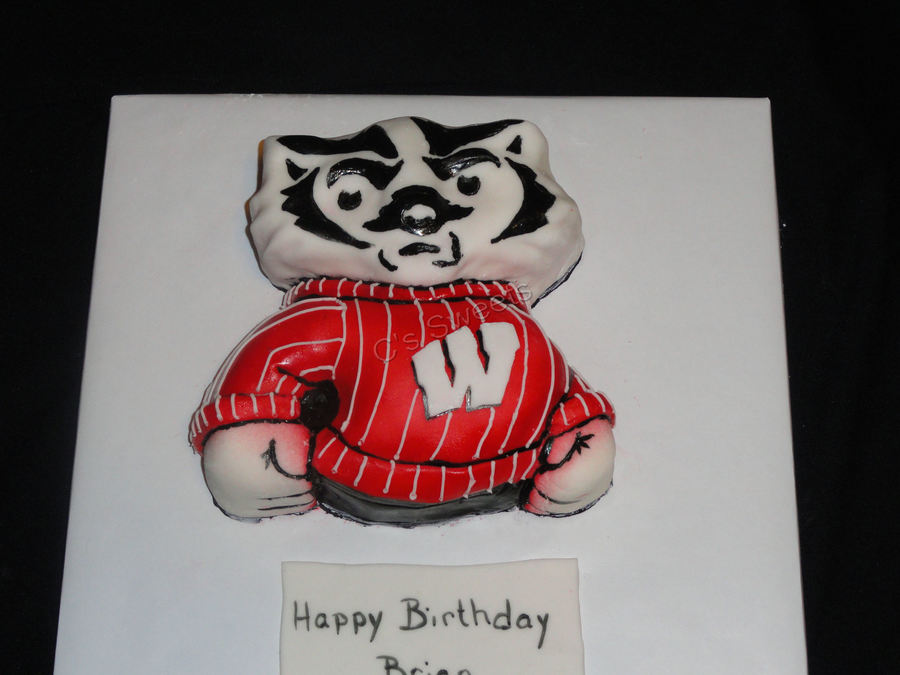 Bucky Badger on Cake Central