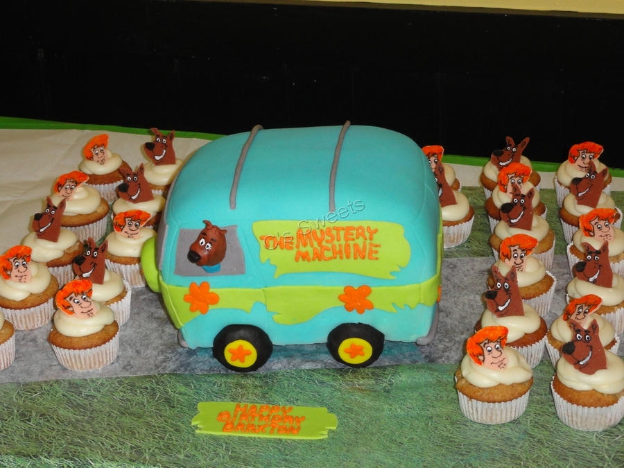 Mystery Machine And Scooby And Shaggy Cupcakes on Cake Central