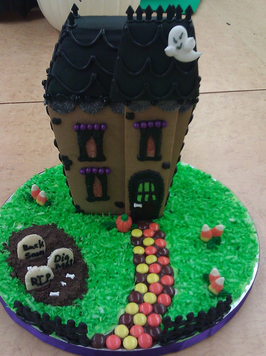 Wilton Haunted Mansion on Cake Central