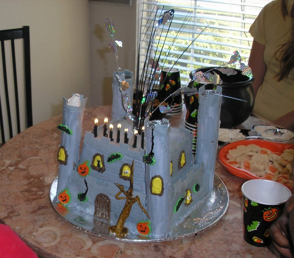 Haunted Castle on Cake Central