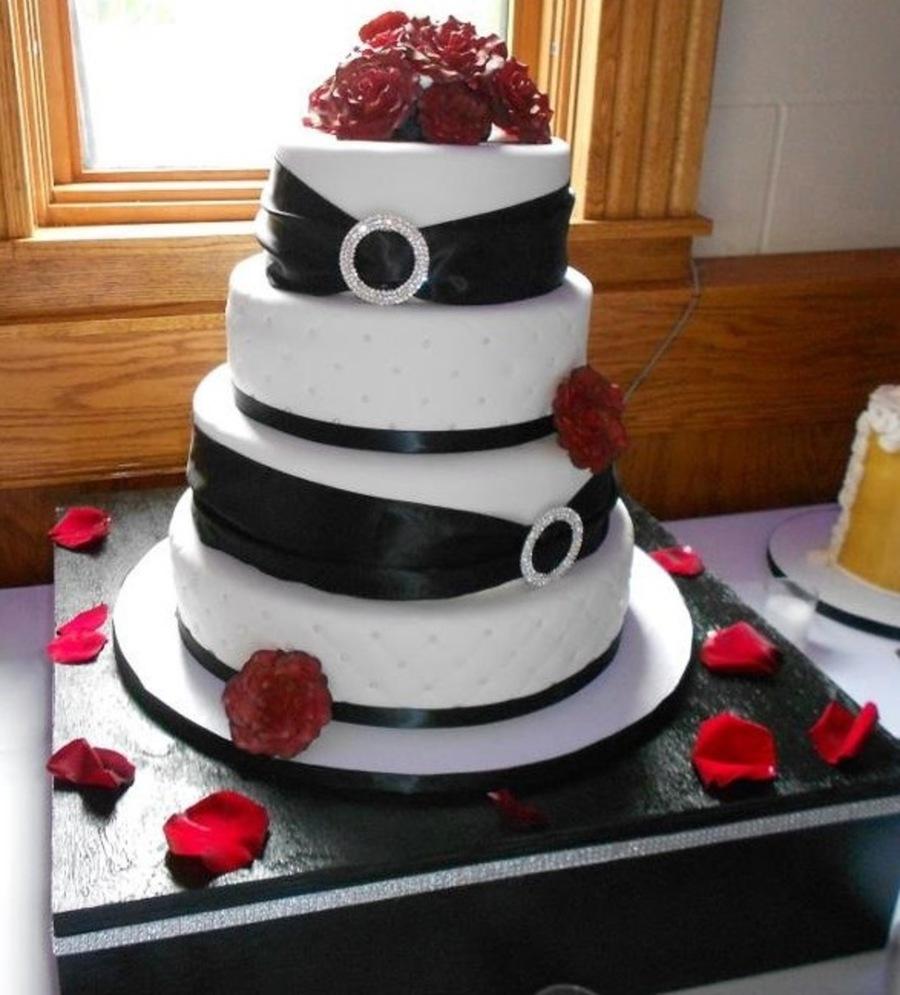 Black Magic Rose Wedding Cake