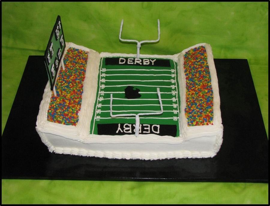 Cake Decorated Like A Football Field : Football Stadium - CakeCentral.com