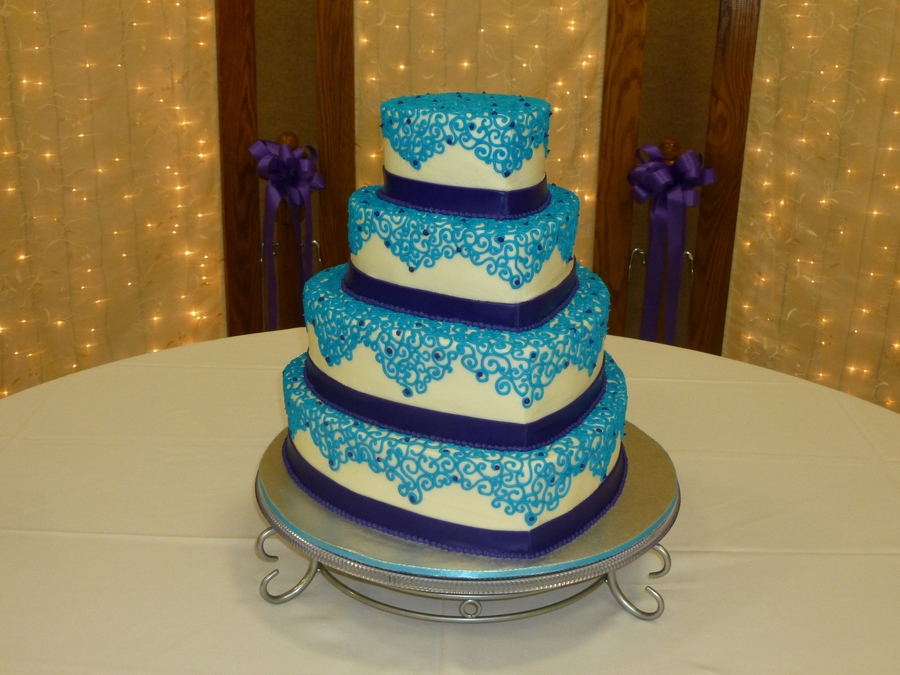 Hearts With Teal Lace Scrollwork on Cake Central