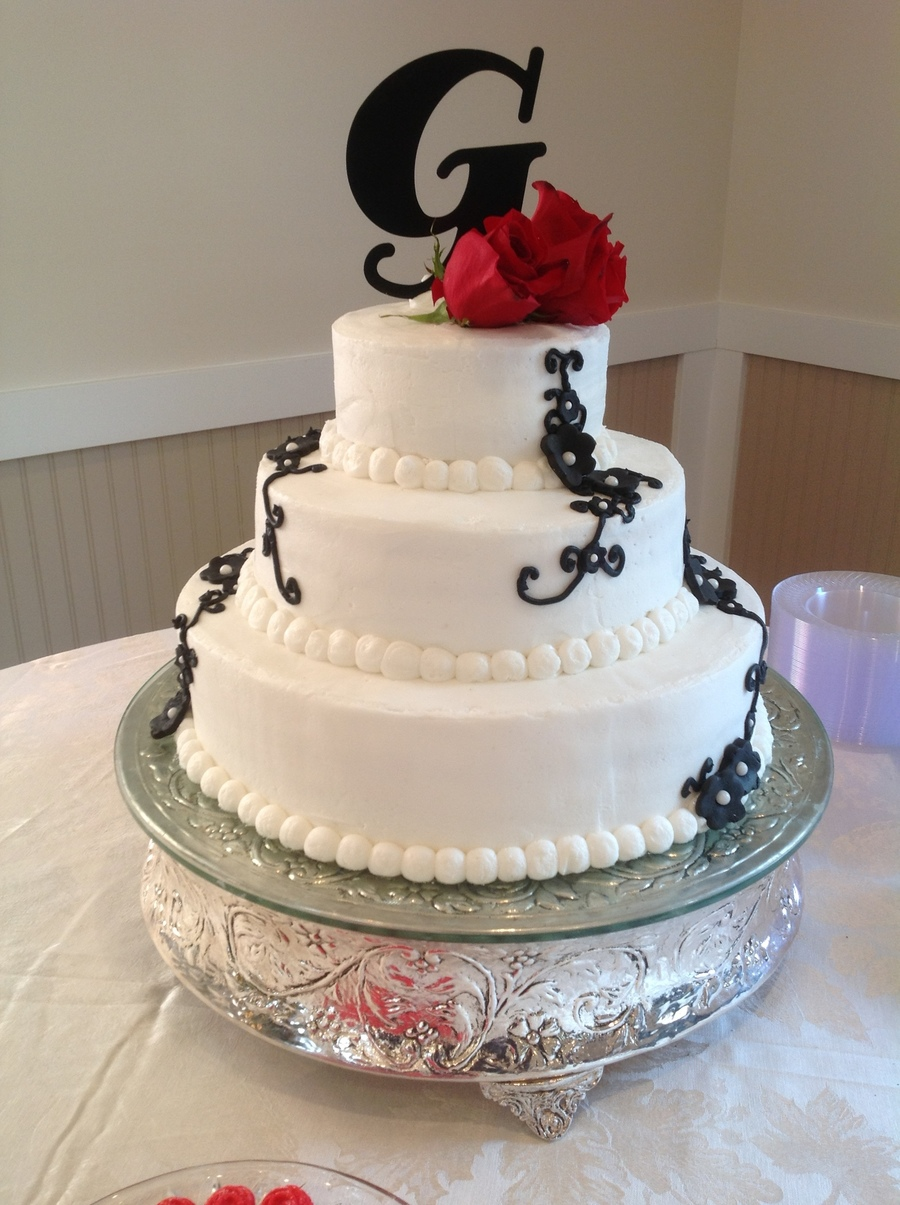 Black Simplicity  on Cake Central