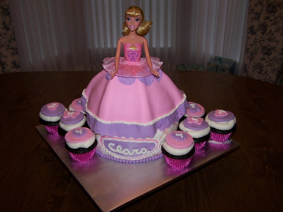 Barbie Dress Cake And Cupcakes Cakecentral Com