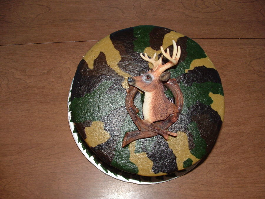8 Inch Layer Buttercream Icing Was Piped On Then Smoothed With Viva Deer Is A Christmas Ornament on Cake Central