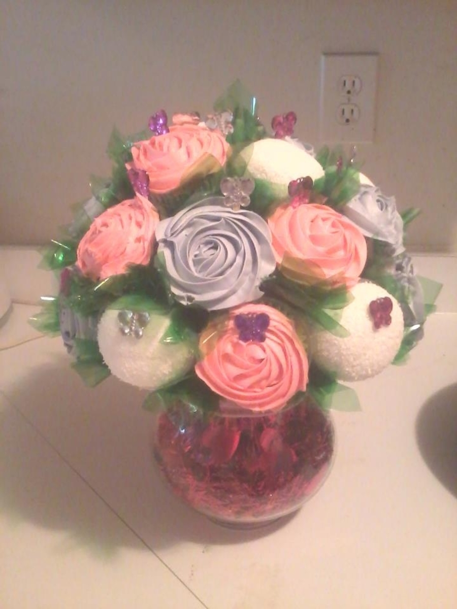 Cupcake Bouquet  on Cake Central