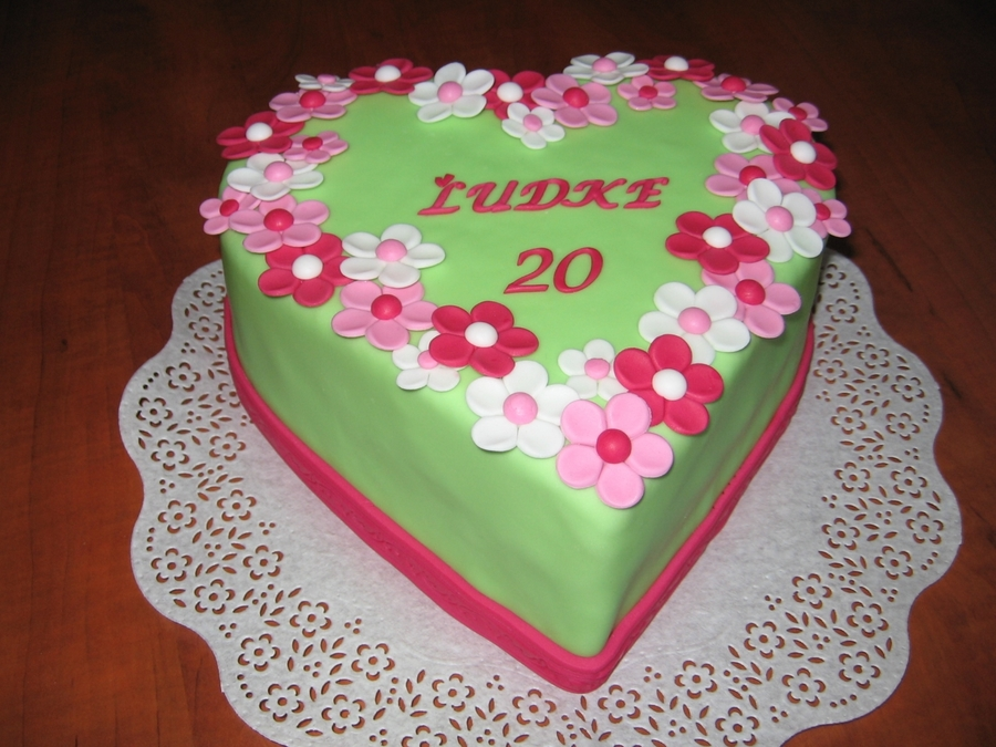 Green-Pink Flowers on Cake Central