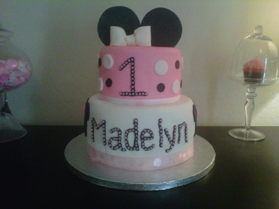Awe Inspiring Minnie Mouse First Birthday Cake Cakecentral Com Funny Birthday Cards Online Alyptdamsfinfo
