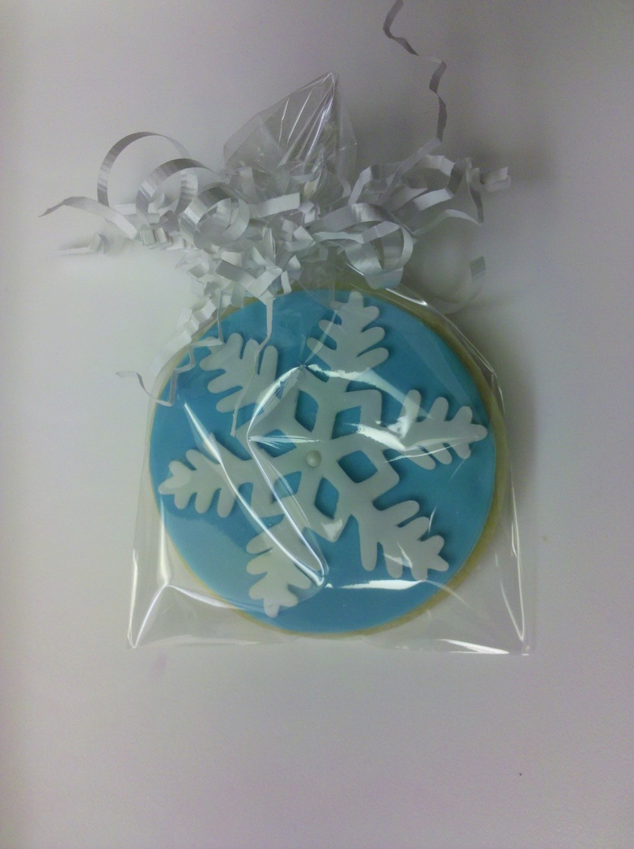 Snowflake Cookie on Cake Central
