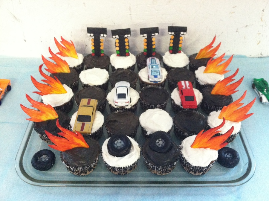 Drag Racing Cupcakes on Cake Central