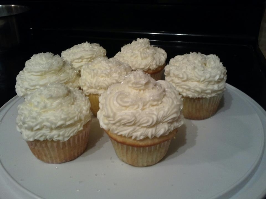 White Cupcakes on Cake Central