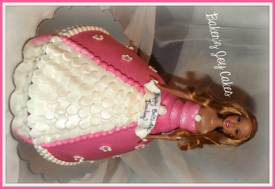 Sugar Cookie Vanilla Cake With Vanilla Bean Cream Cheese All Edible Used The Barbie Dress Pan From Wiltonreal Barbie on Cake Central