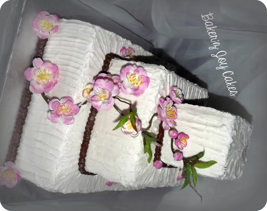 Sugar Cookie Vanilla Cake With Vanilla Bean Cream Cheesefake Flowers Brides Choice Not Mine on Cake Central