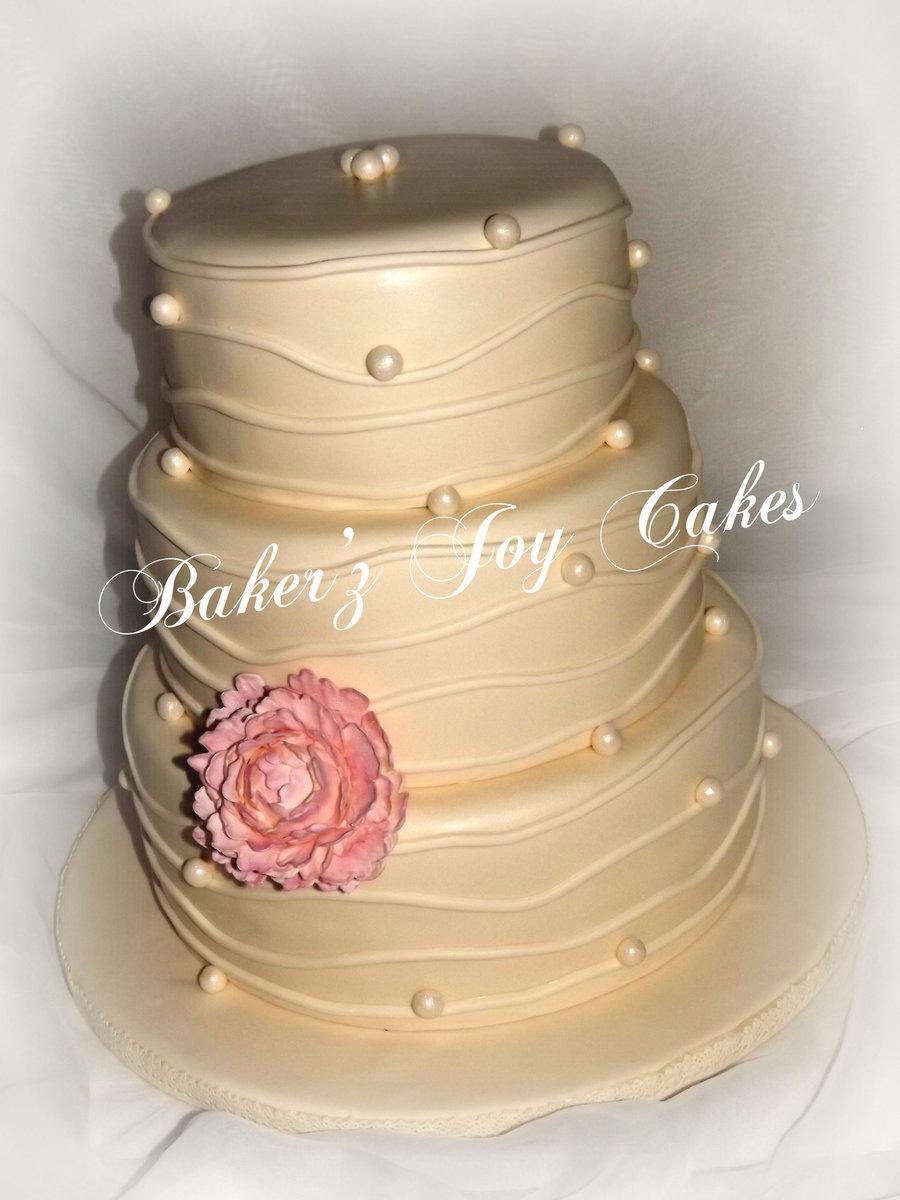 Gorgeous Vintage Wedding Cake In Red Velvet With Vanilla Bean Cream ...