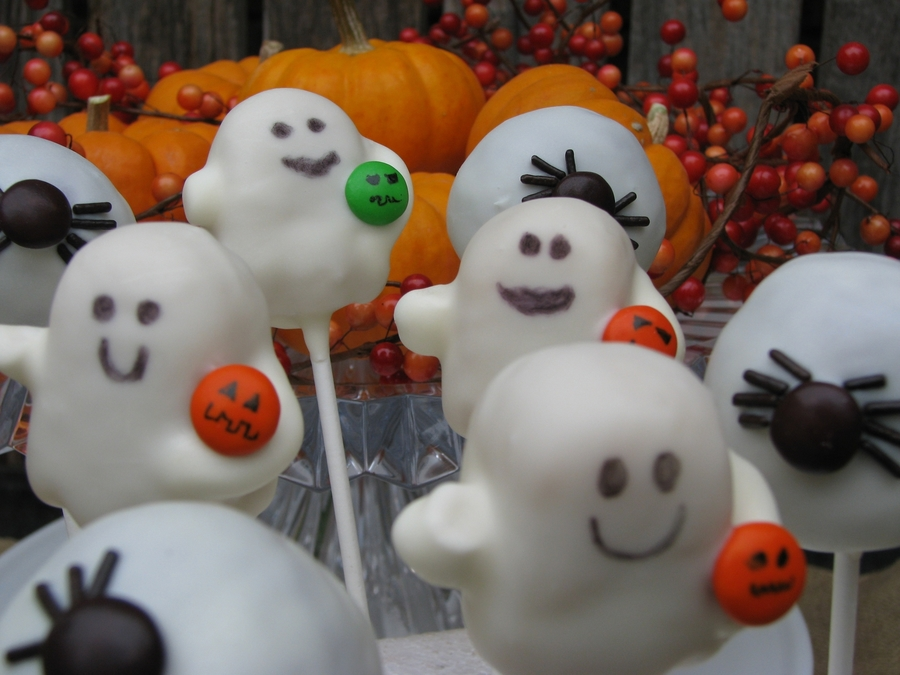Ghost Cake Pops on Cake Central