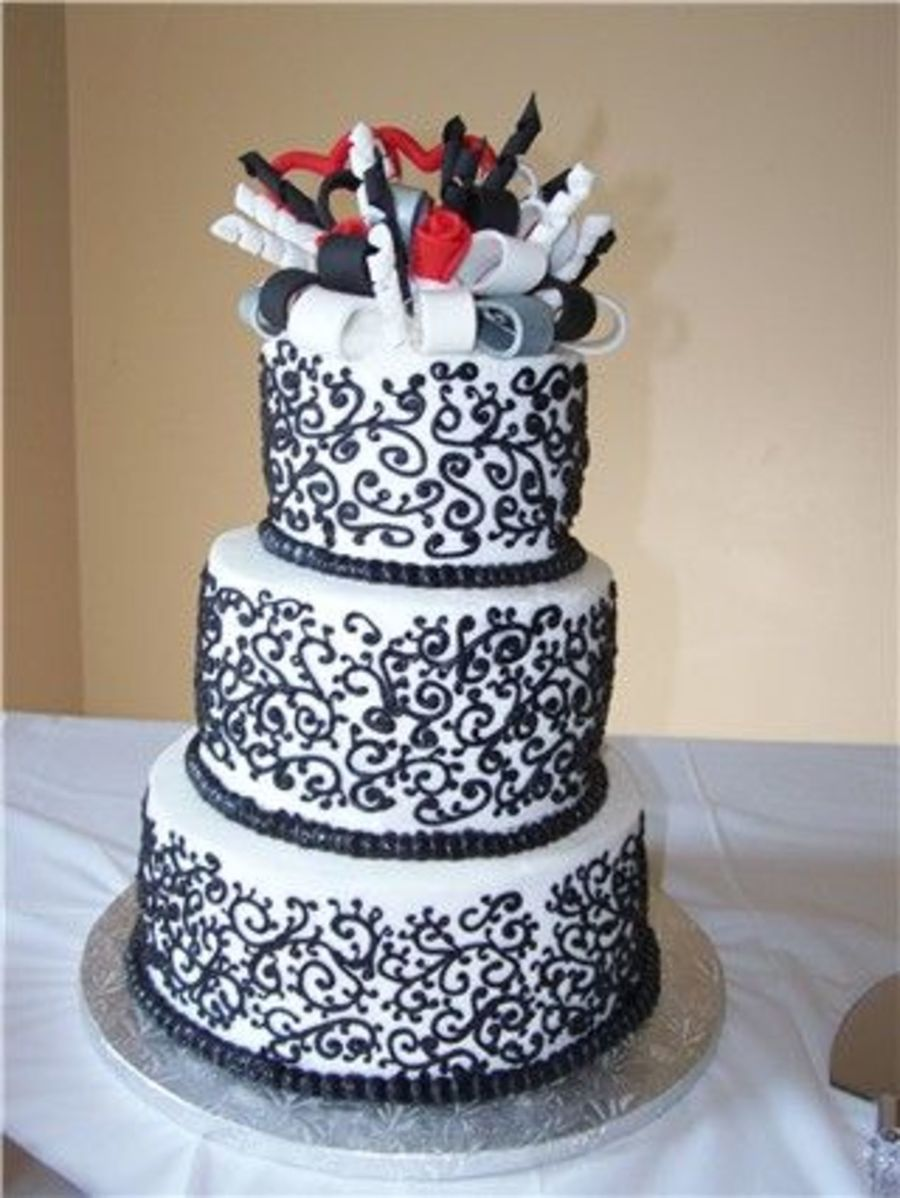 Black And White Scrolls on Cake Central