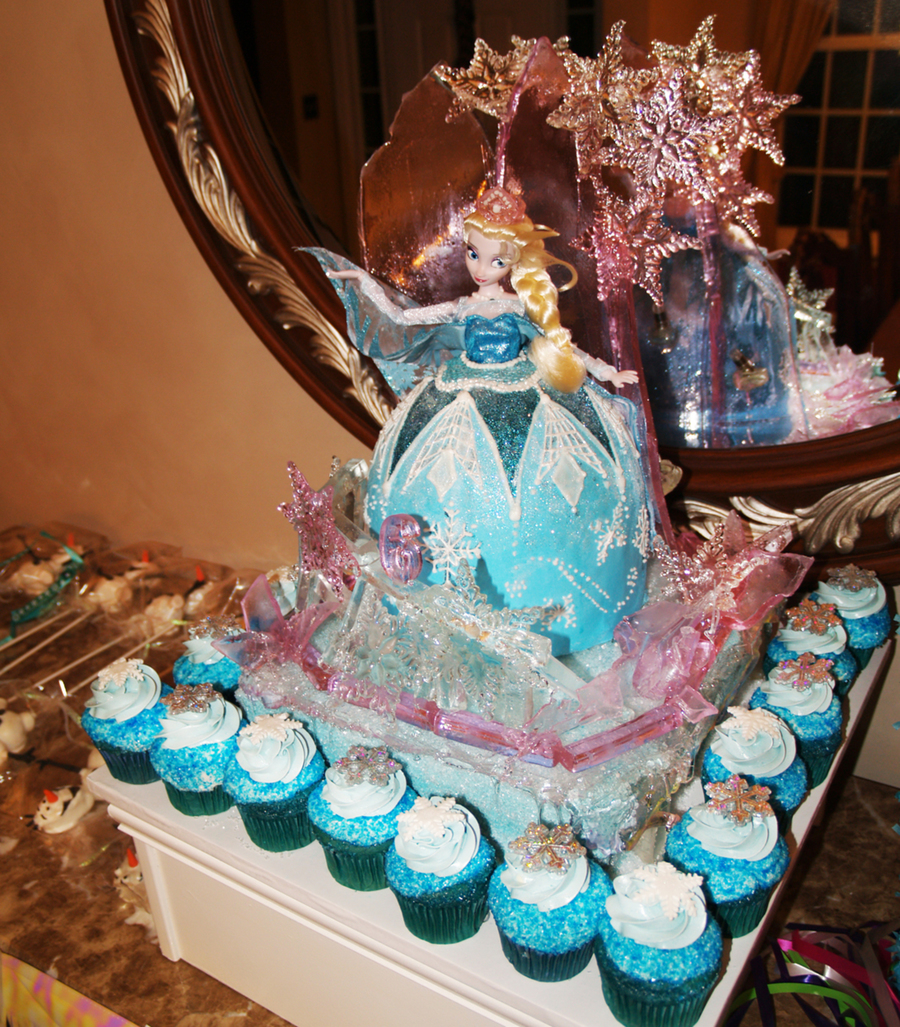 Poured Isomalt Castle Backdrop And Balcony With Molded