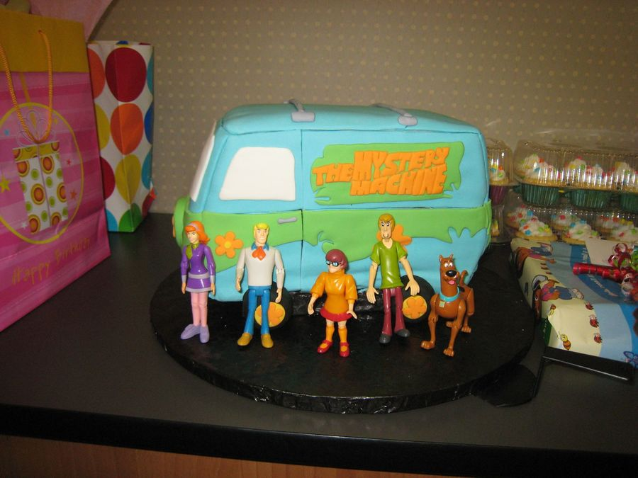 The Mystery Machine Van on Cake Central