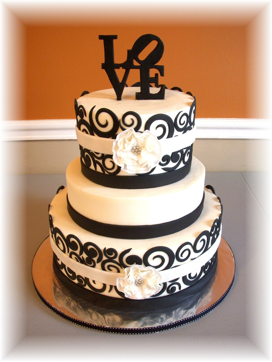 Love Swirls on Cake Central