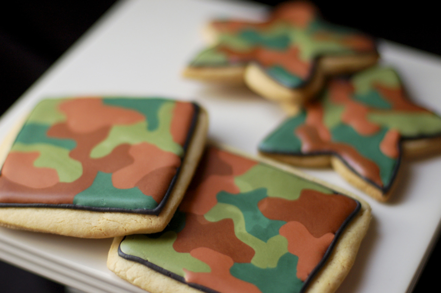 Camouflage Cookies on Cake Central