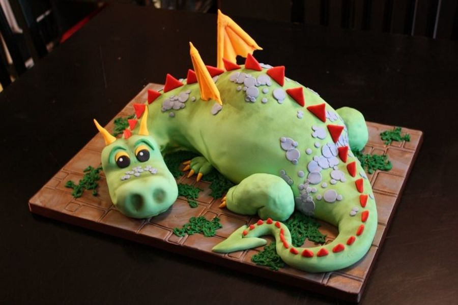 Dragon on Cake Central