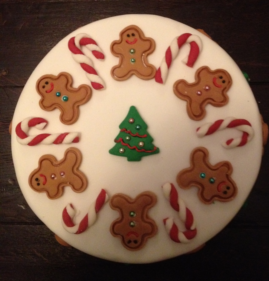Gingerbread Men Christmas Cake on Cake Central