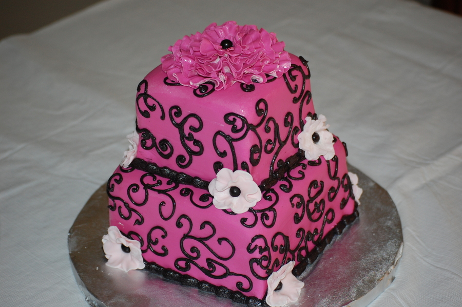 Hot Pink And Black Scroll on Cake Central