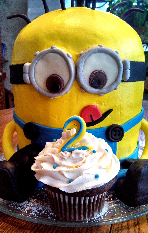 Minion 3D Cake CakeCentralcom