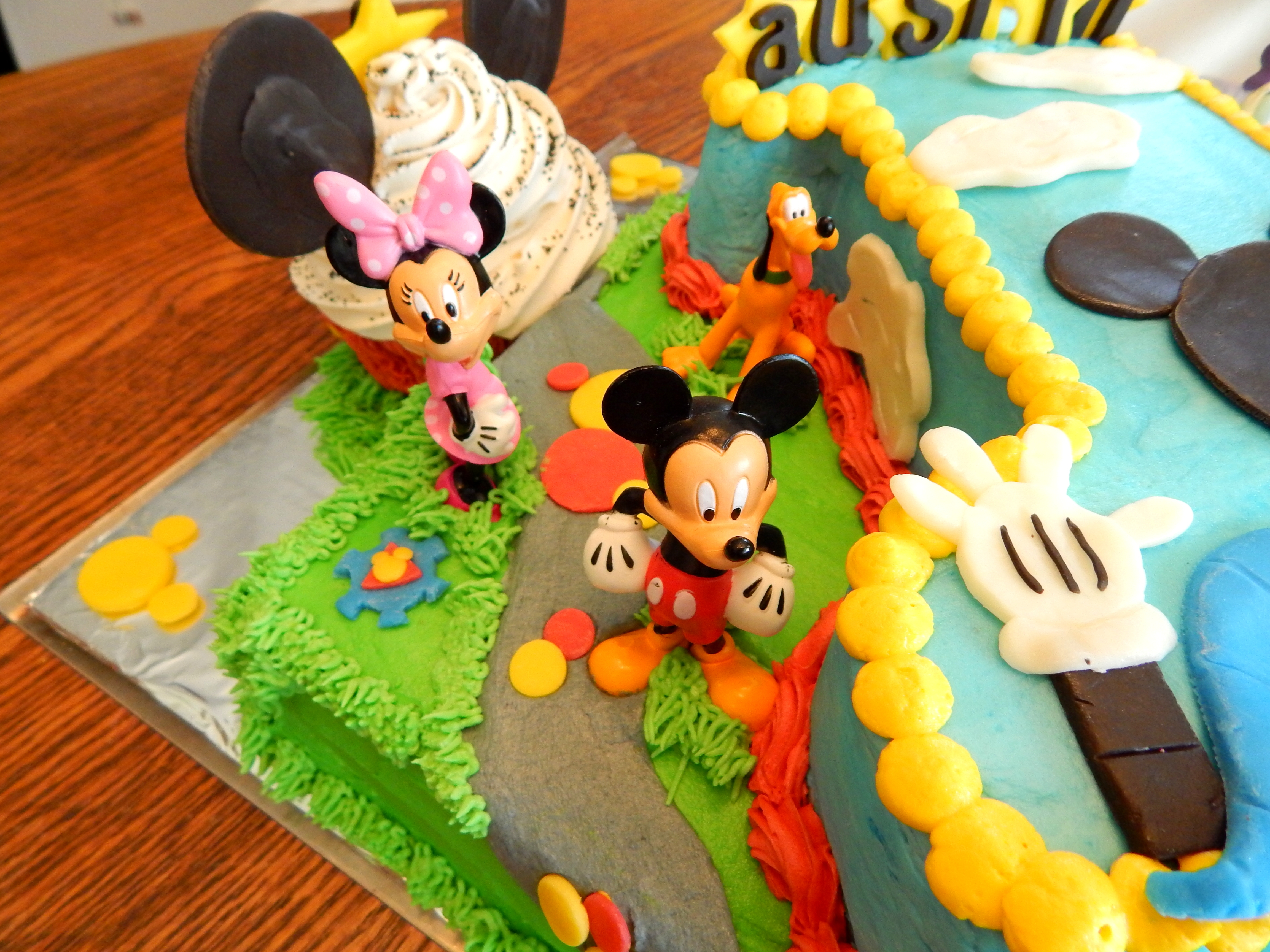 Strange Mickey Mouse Clubhouse First Birthday Cake Cakecentral Com Funny Birthday Cards Online Aboleapandamsfinfo