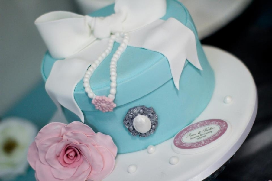 Tiffany Hat Box Cake on Cake Central
