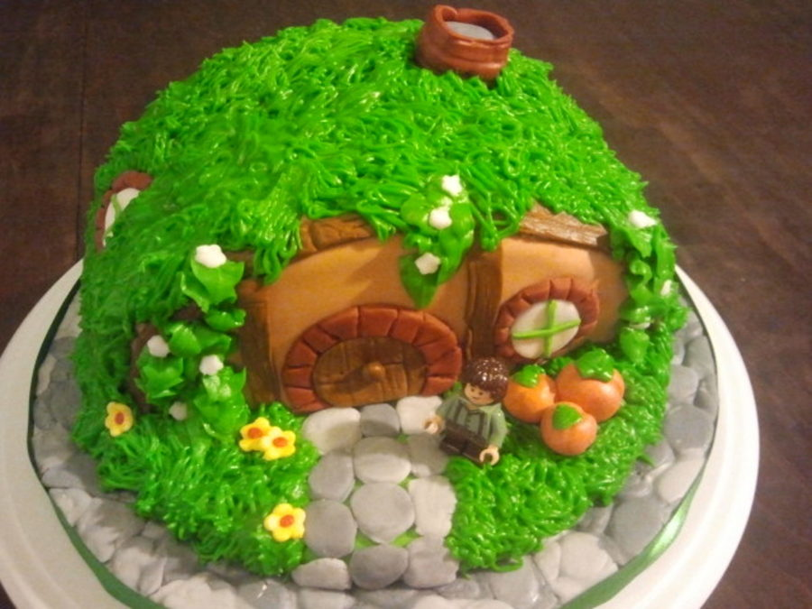 Hobbit House on Cake Central