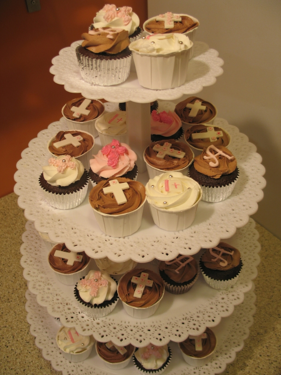 Christening Cuppies on Cake Central