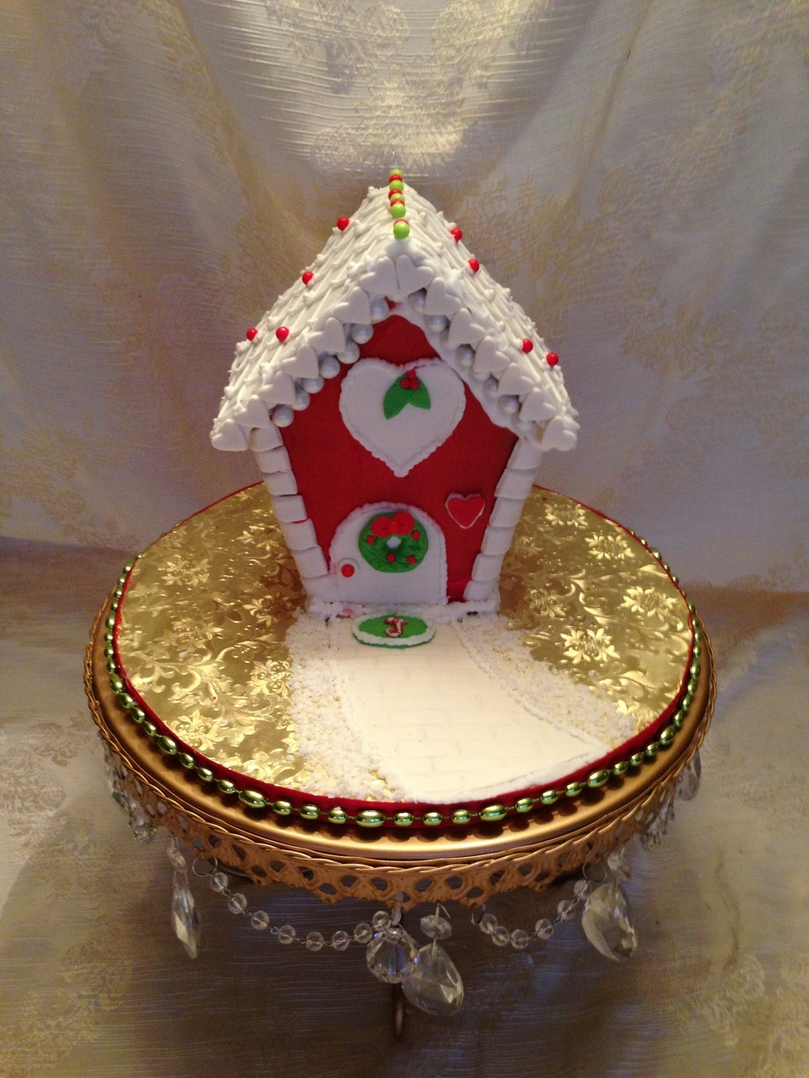 Red Xmas House on Cake Central