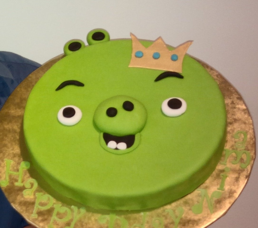 Terrific Angry Birds King Pig Birthday Cake Cakecentral Com Funny Birthday Cards Online Elaedamsfinfo