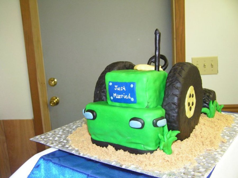 Grooms Cake John Deere Tractor on Cake Central
