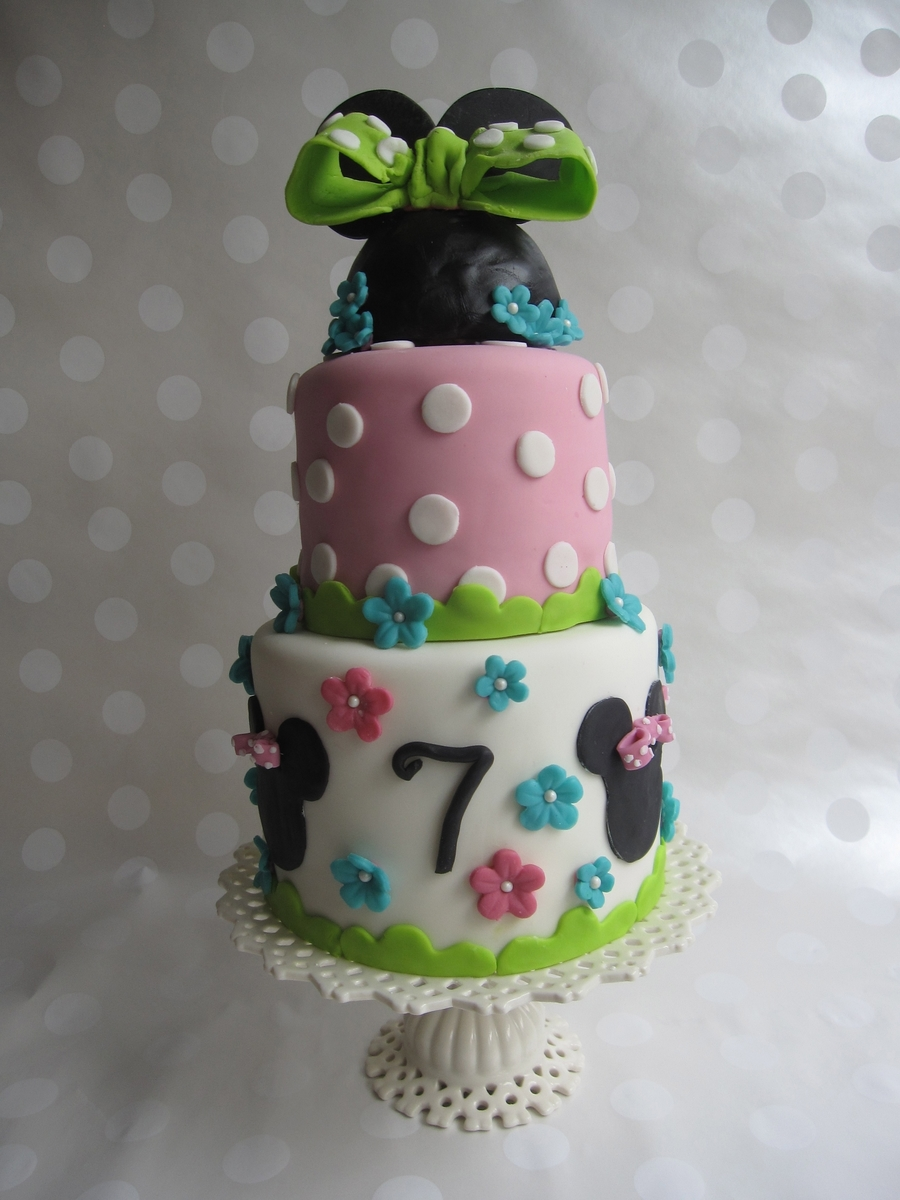 Minnie Mouse Bowtique on Cake Central