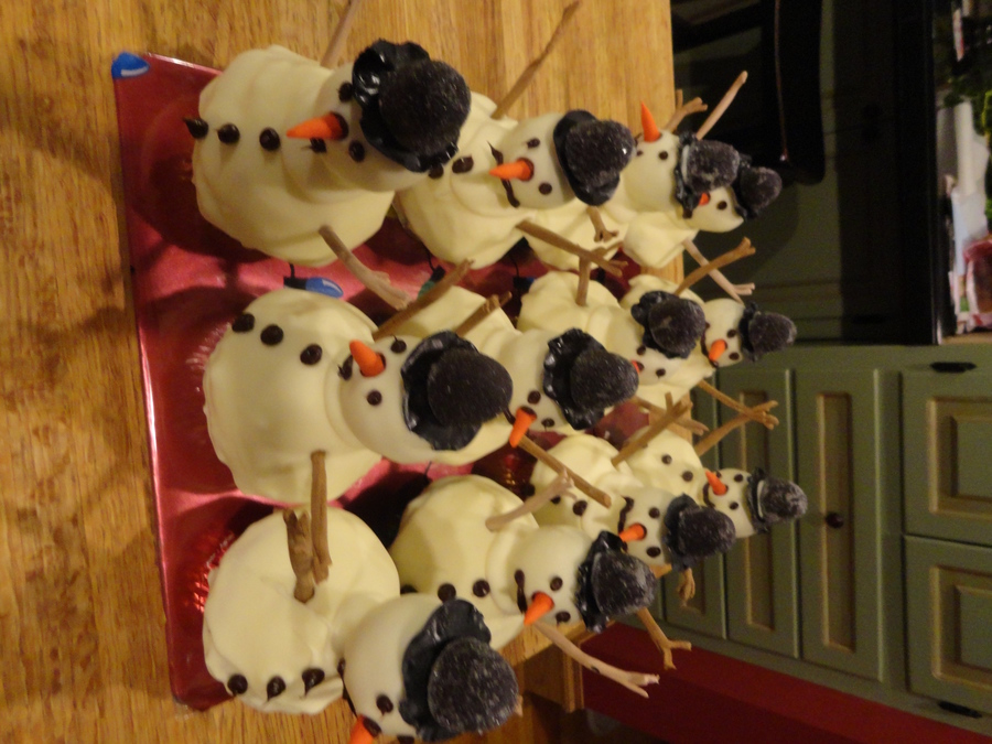 Melting Snowmen Cupcakes Cakecentral Com