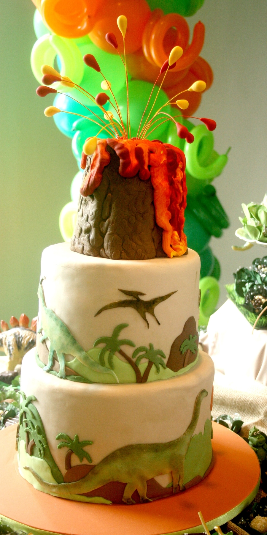 Dinossauro on Cake Central