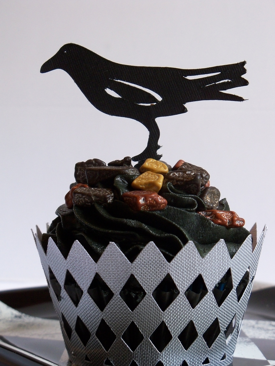 Crow Cuppies on Cake Central