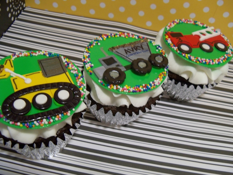 Big Truck Cuppies on Cake Central