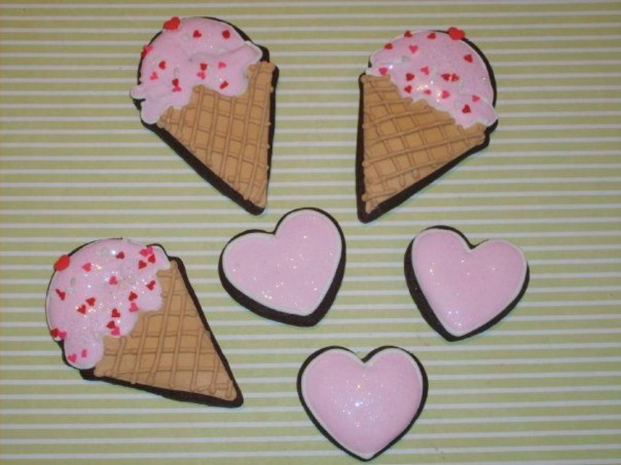 Hearts And Ice Cream on Cake Central