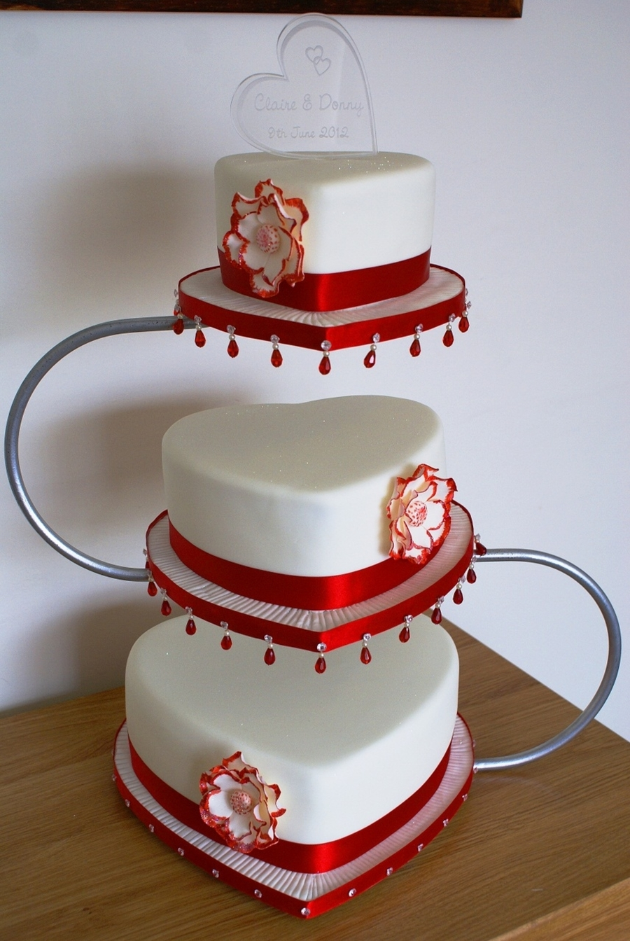red and ivory wedding cakes and ivory wedding cake cakecentral 19082