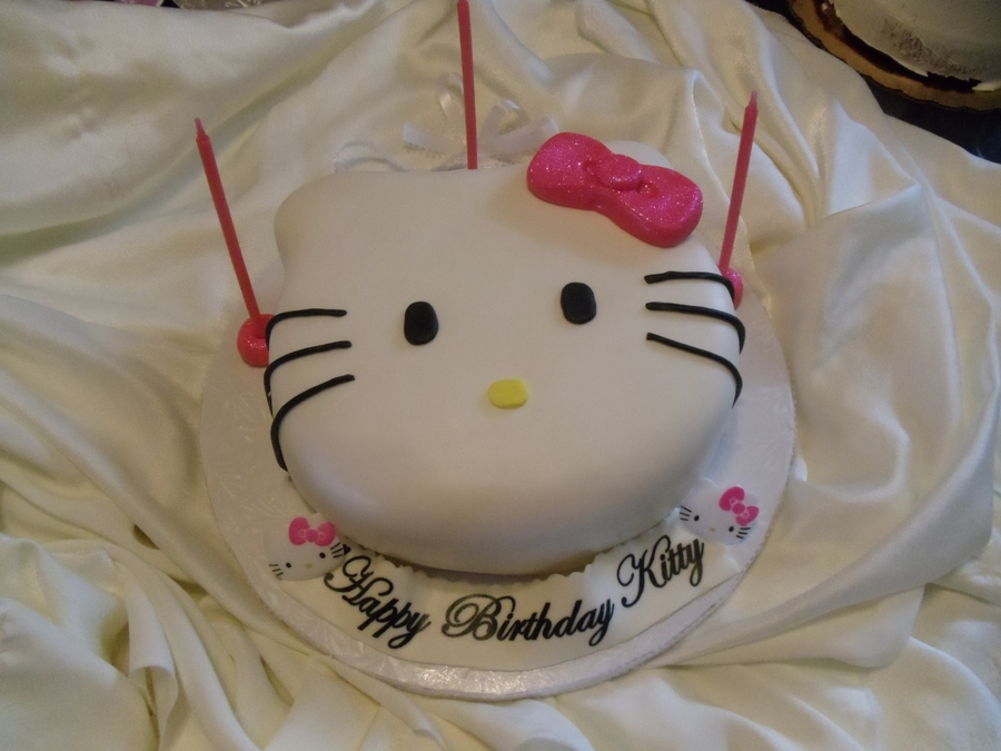 Small Hello Kitty on Cake Central