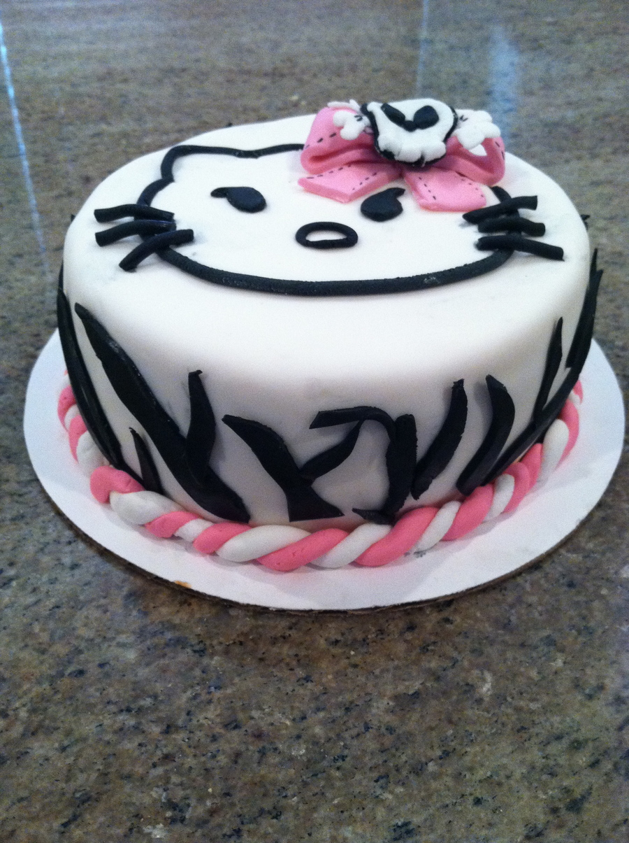 Hello Kitty - CakeCentral.com